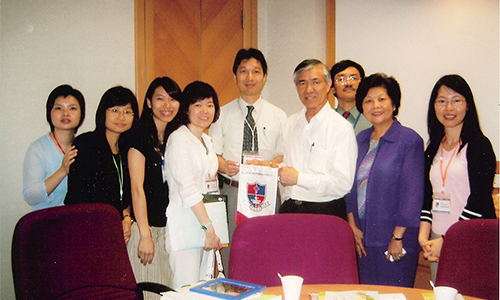 HK Methodist college team visits schools
