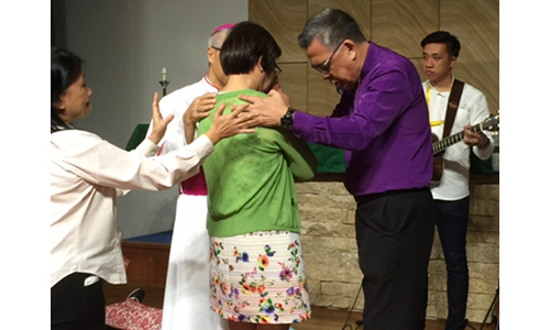 Four bishops ministered at 4th Ecumenical Charismatic Healing Service